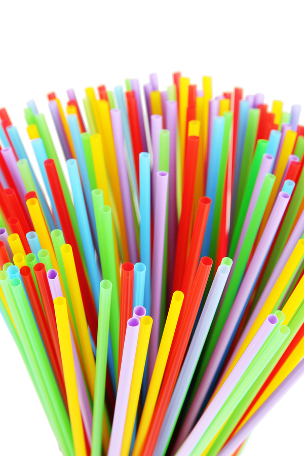 bigstock-Many-straws-close-up-isolated--56717540.jpg