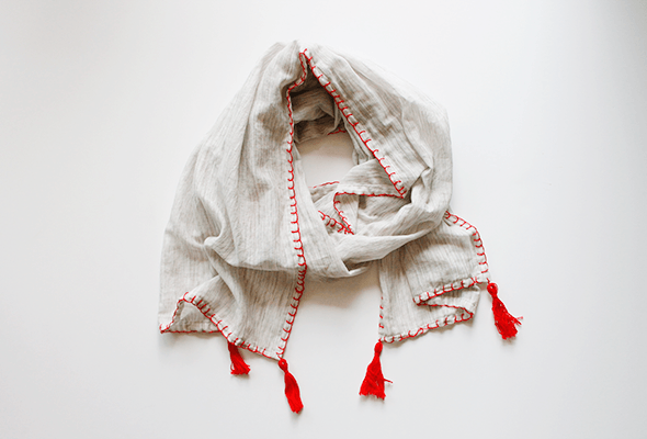 DIY Fall Tassel Scarf from Wellnesting