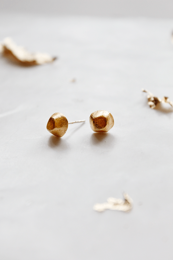 DIY Gold Nugget Earrings from Wellnesting