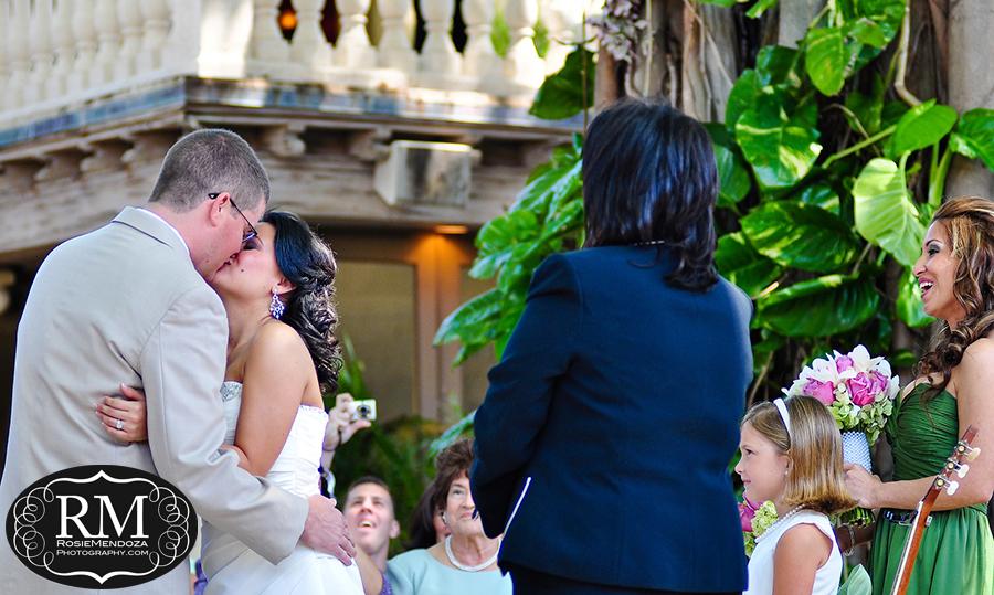 Boca-Raton-The-Addison-wedding-kiss-photo