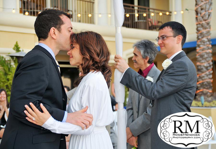 Fort-Lauderdale-Atlantic-Hotel-destination-wedding-wedding-kiss-photo