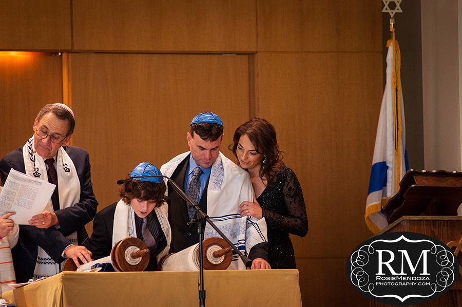 Weston-Temple-Dor-Dorim-Bar-Mitzvah-reading-Torah-photo
