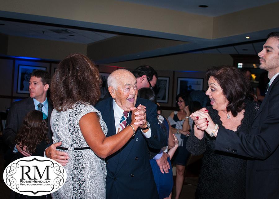 Weston-Bar-Mitzvah-family-dance-photo