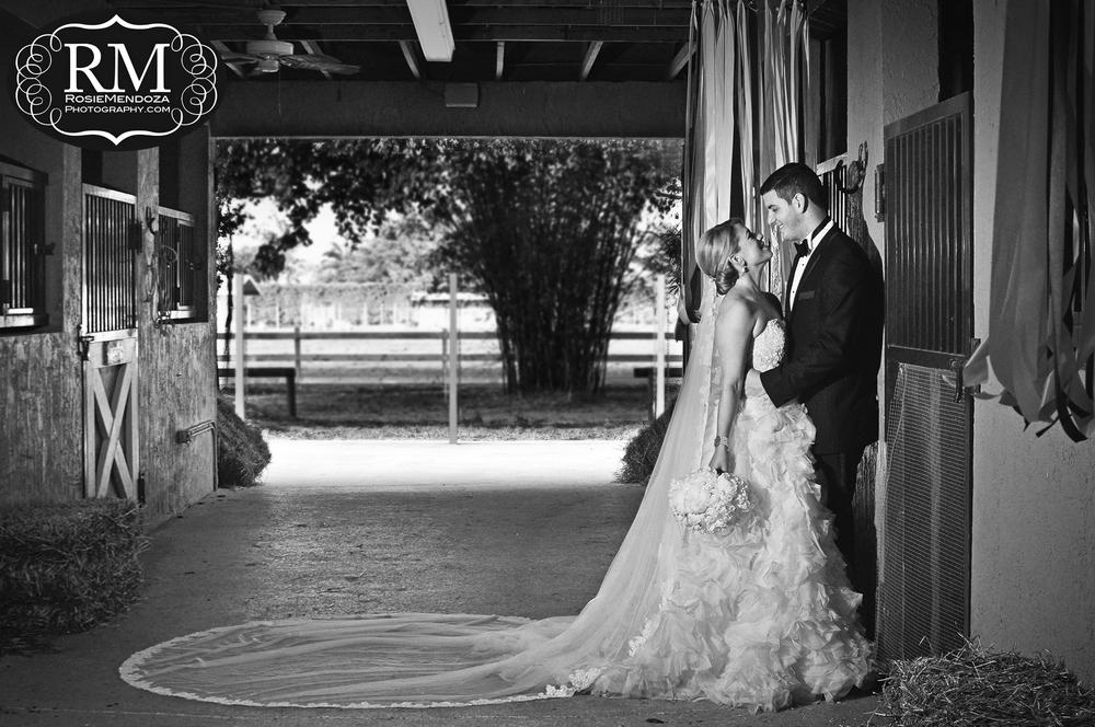 JR-Horse-Ranch-wedding-dress-J-del-olmo-portrait-photo