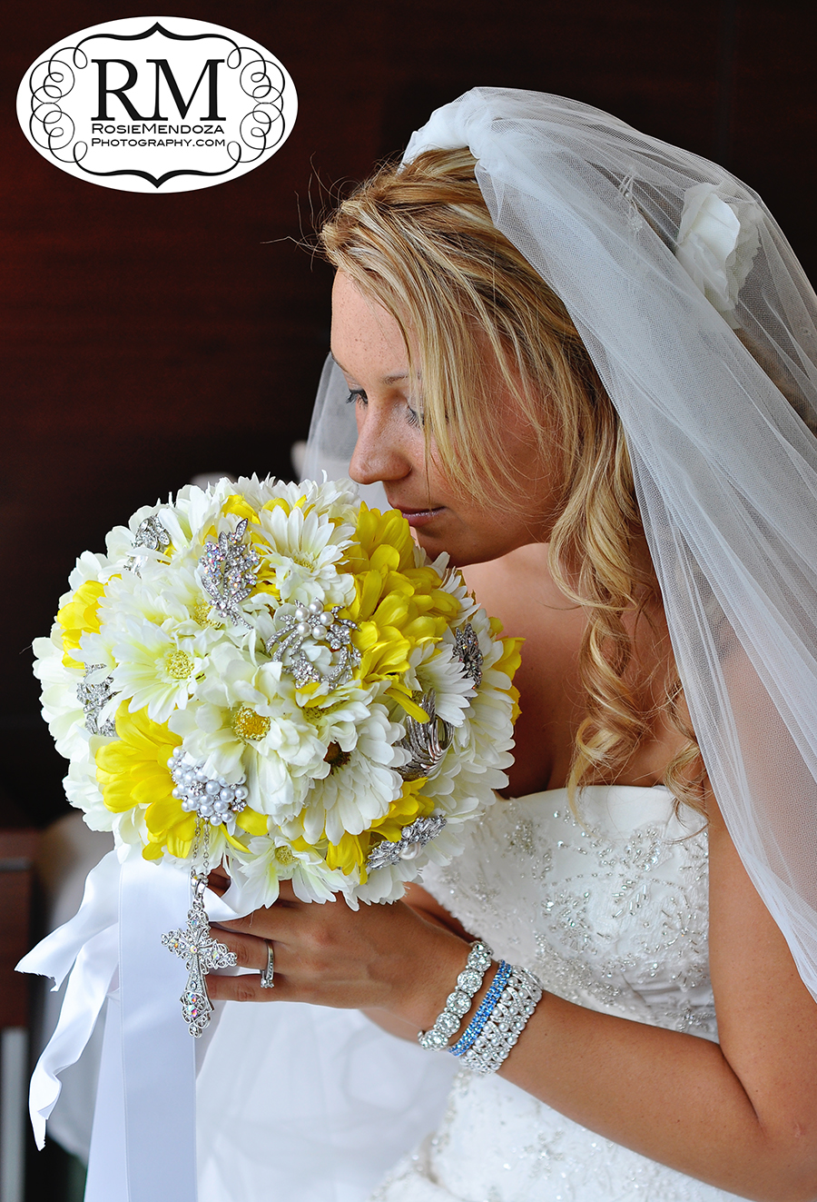 Miami-Newport-Beachside-Hotel-and-Resort-country-style-wedding-flowers-photo
