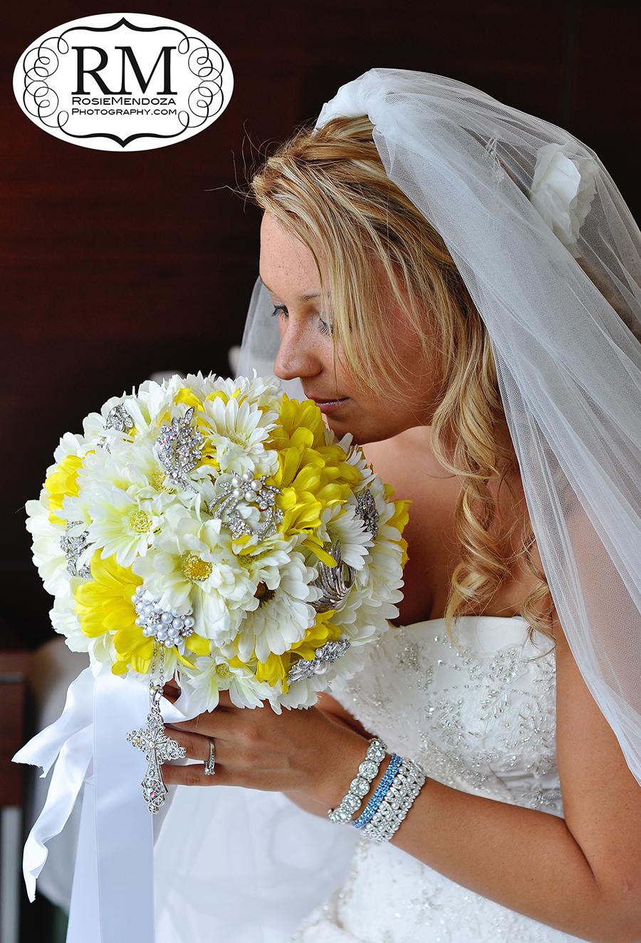 Miami-Newport-Beachside-Hotel-and-Resort-country-style-wedding-flowers-photo