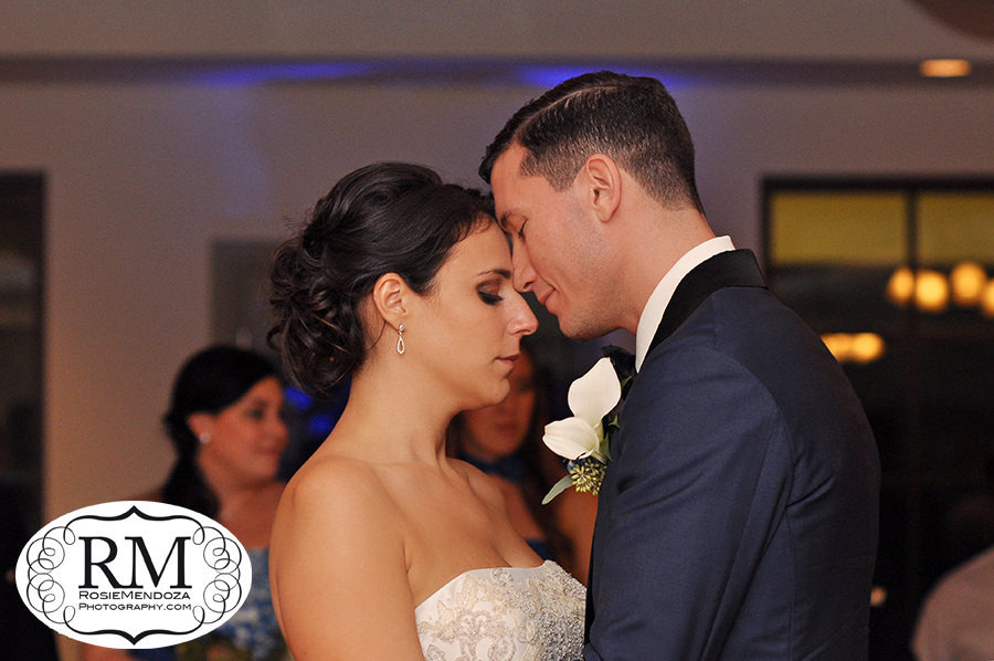 South-Florida-Winter-wedding-dance-in-Pembroke-Lakes-Country-Club-photo
