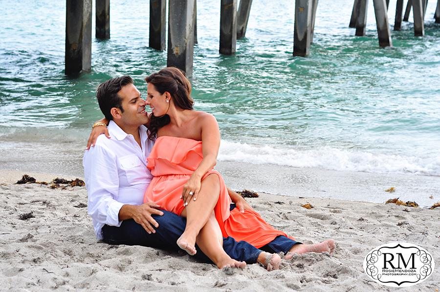 dania-beach-pier-engagement-photo