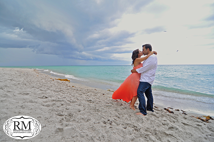 Fort-lauderdale-beach-engagement-session-photo