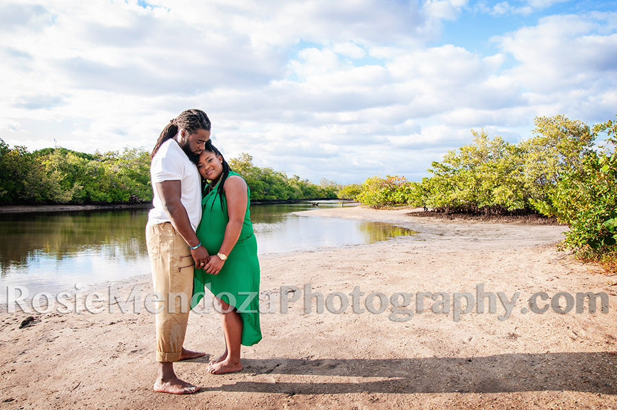 Miami Dolphins maternity photo shoot - Rosie Mendoza Photography