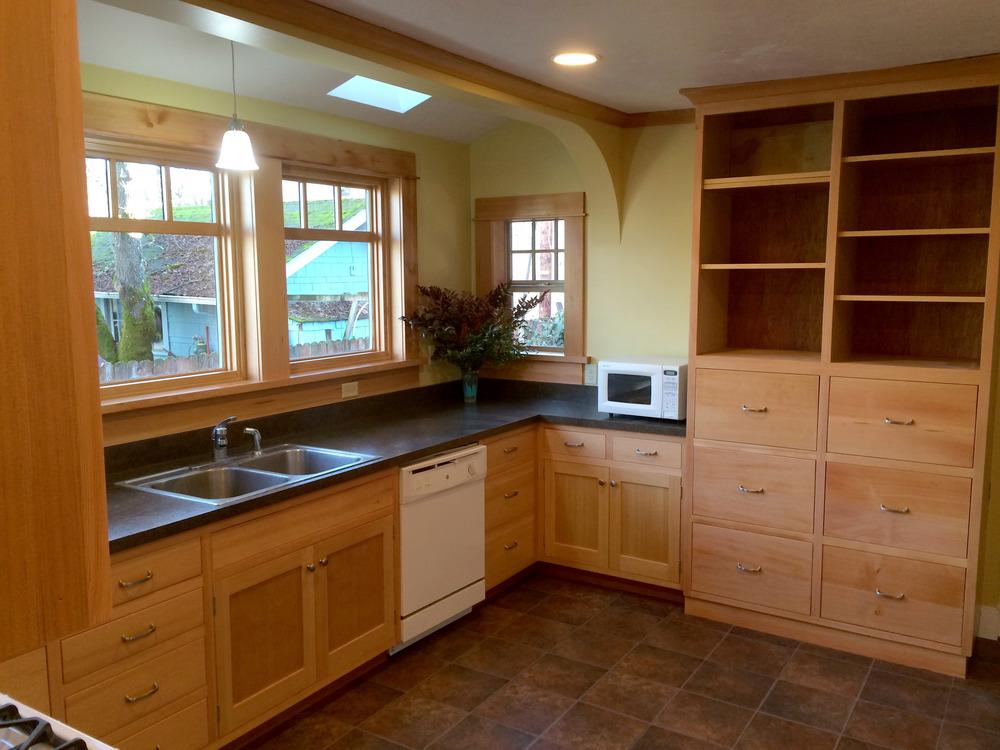 842 New Kitchen2.jpg