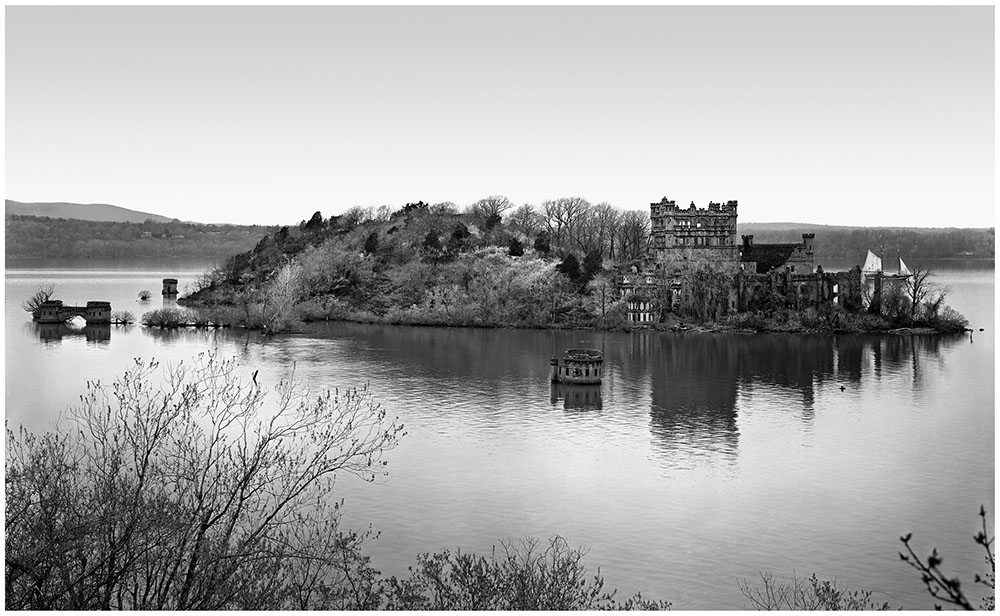 Bannerman Castle 8x10.jpg