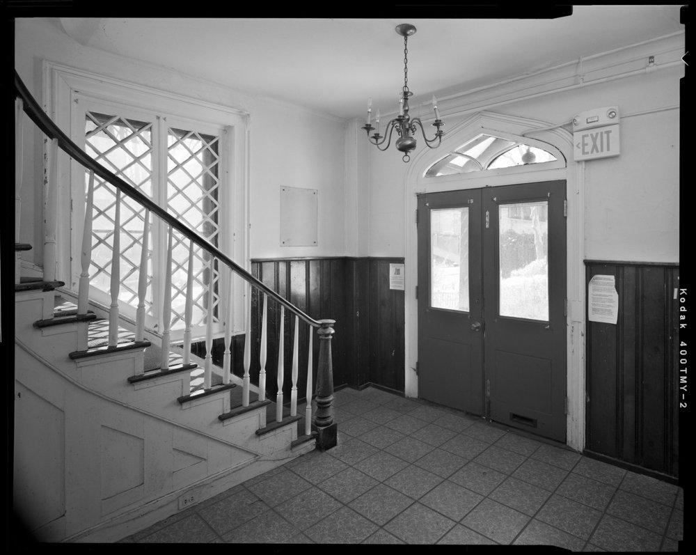 Entrance_Hall_Showing_Entrance_Doors.jpg