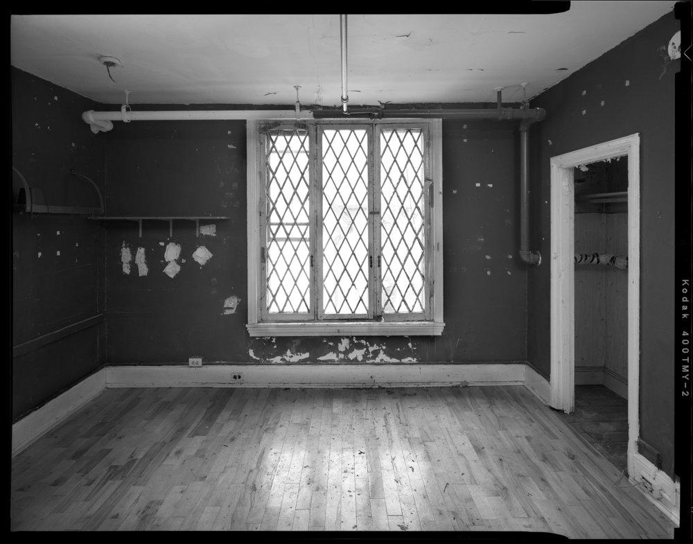 Bedroom_No_2_Showing_Window_and_Closet.jpg