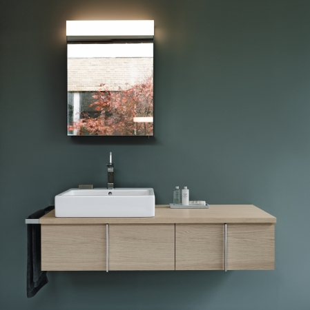 Duravit's Vero vanity and washbasin.  Image courtesy of Duravit.