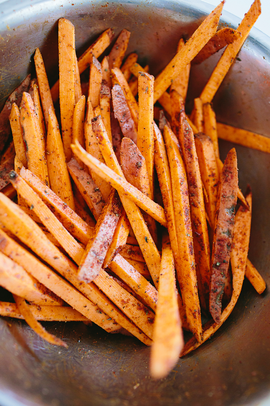 brookecourtney_sweetpotatofries_ovenbaked_frysauce-8.jpg