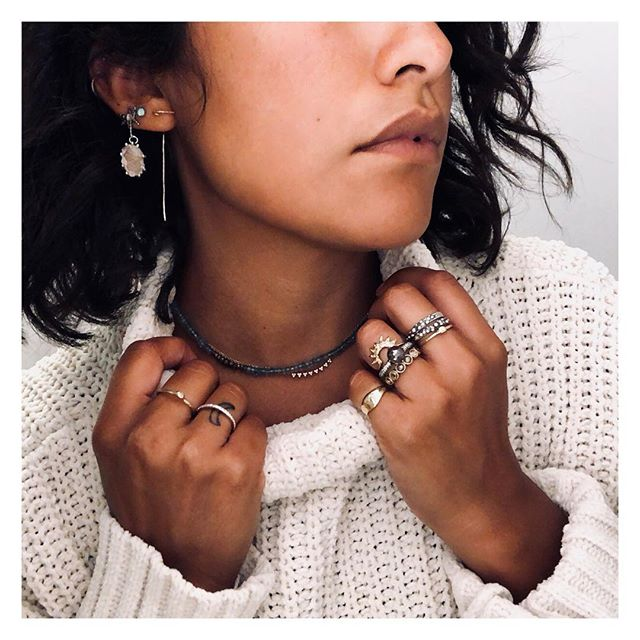 Cloudy mornings = I get to pile on the jewels and swearers and pretend it's fall- even if it's only until mid day when when the sun come out😜 . . . . . . #fallfakeout #itssweaterseasonsomewhere #whatiwore #wednesdaymorning #passthecoffee #allthejewels #pileiton #14k #rosegold #yellowgold #diamond #quartz #druzy #oxidized #finejewelry #ooak #ring #necklace #eargame #turtleneck #fallstyle #styleinspo #bloggerstyle #longbeachart #californiamade #changeitup #jewelryaddict #prettylittlethings #wearwhatmakesyouhappy