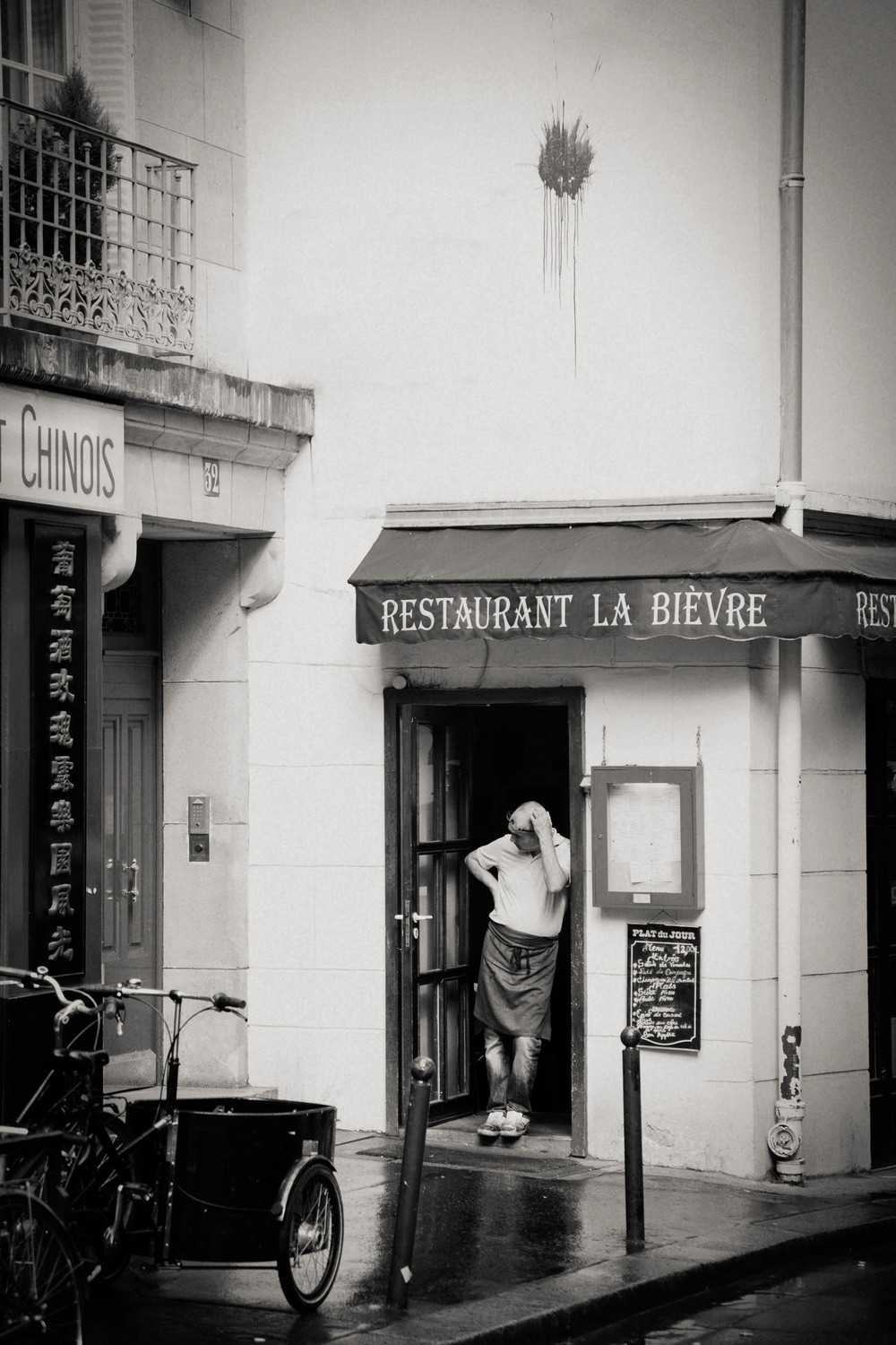 restaurant worker, Paris 2014.