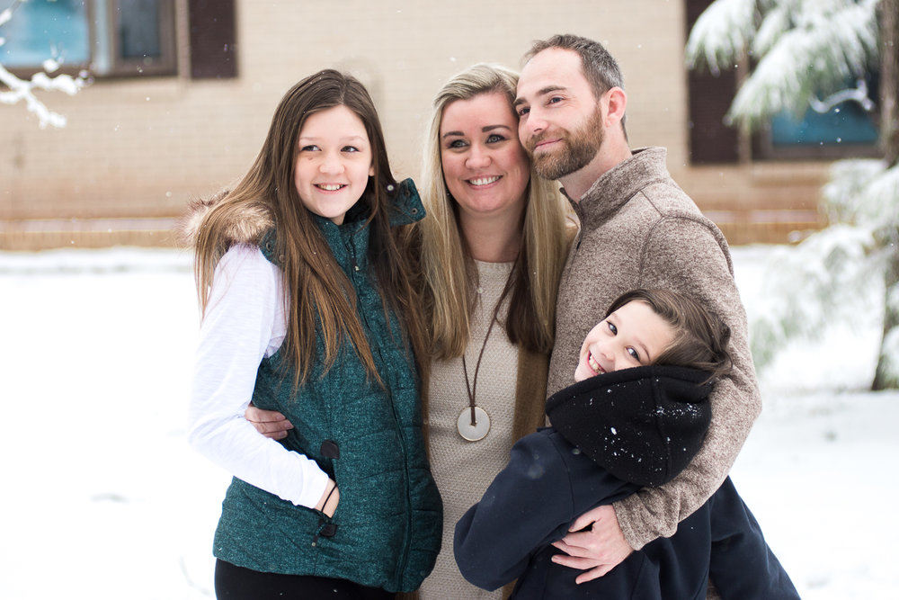 Snow Family Pictures, Lifestyle Family Pictures, Family of 4-1.jpg