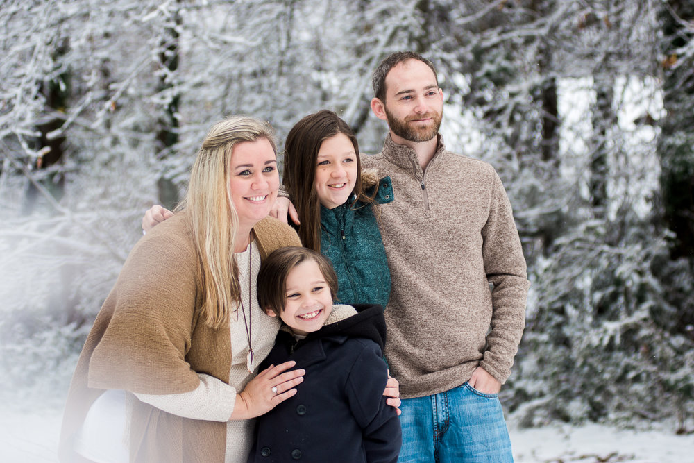 Snow Family Pictures, Lifestyle Family Pictures, Family of 4-8.jpg
