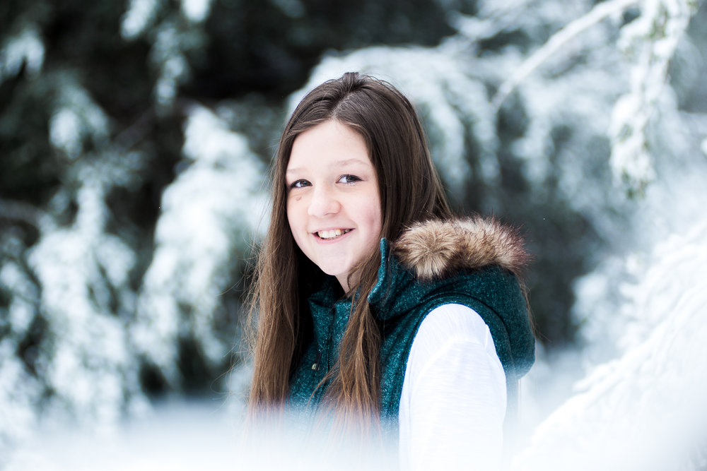 Snow Family Pictures, Lifestyle Family Pictures, Family of 4-18.jpg