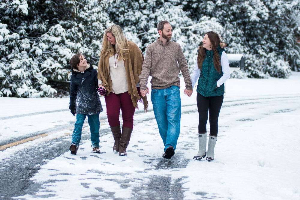 Snow Family Pictures, Lifestyle Family Pictures, Family of 4-43.jpg