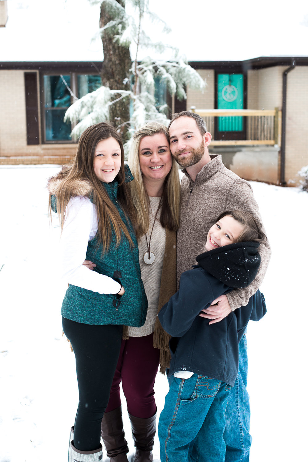 Snow Family Pictures, Lifestyle Family Pictures, Family of 4-69.jpg