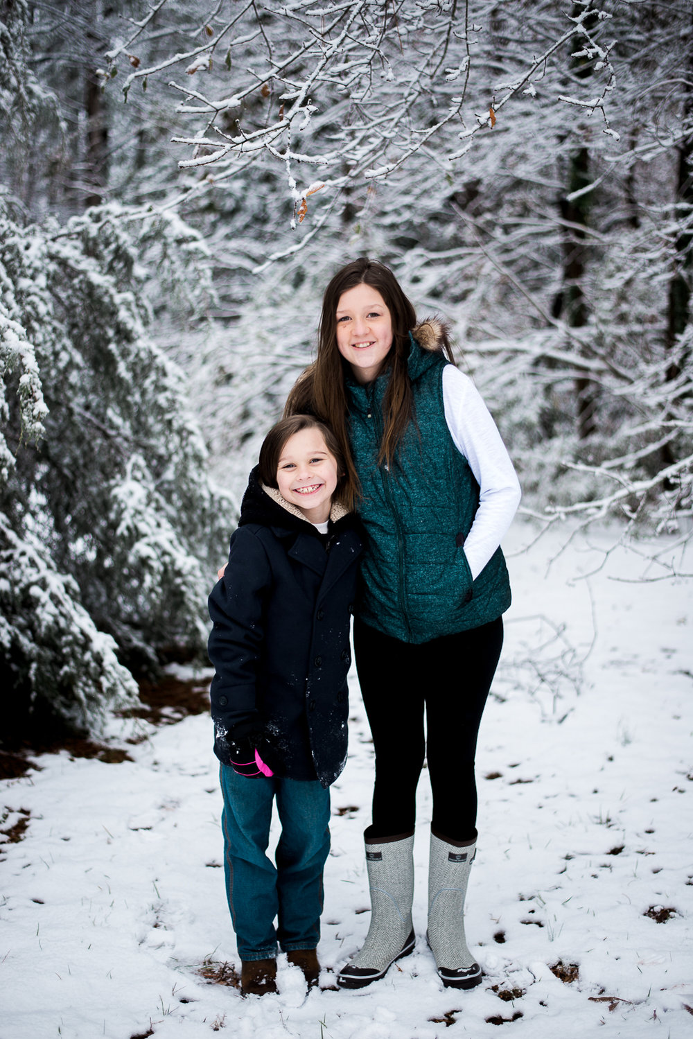 Snow Family Pictures, Lifestyle Family Pictures, Family of 4-94.jpg