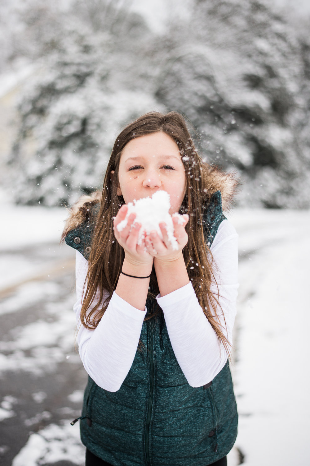 Snow Family Pictures, Lifestyle Family Pictures, Family of 4-145.jpg