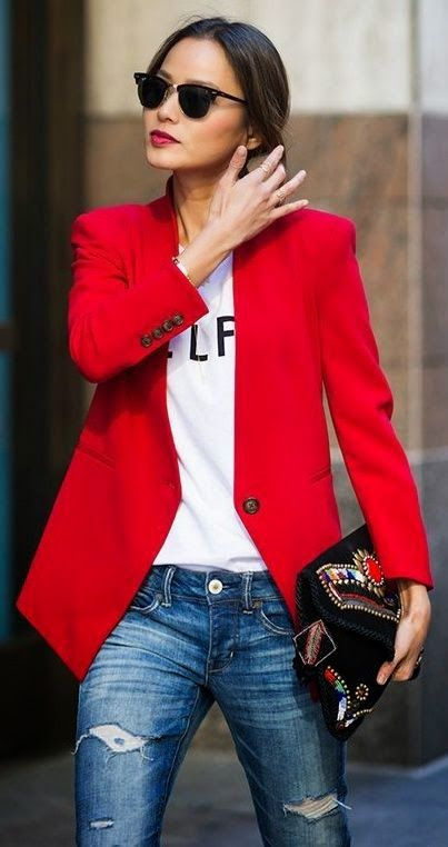 9d293f63ced05ec3b3f8a2aaf9e1a8fd--boyfriend-jeans-outfit-red-jackets.jpg