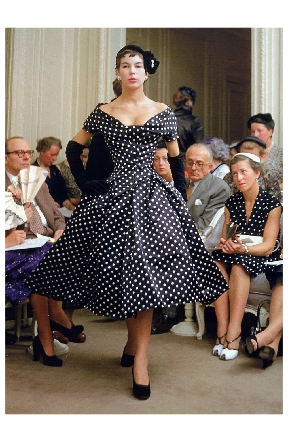 victoire-presents-diors-dress-called-22porto-rico22-autumnwinter-collection-h-line-1954-photo-by-mark-shaw-paris.jpg