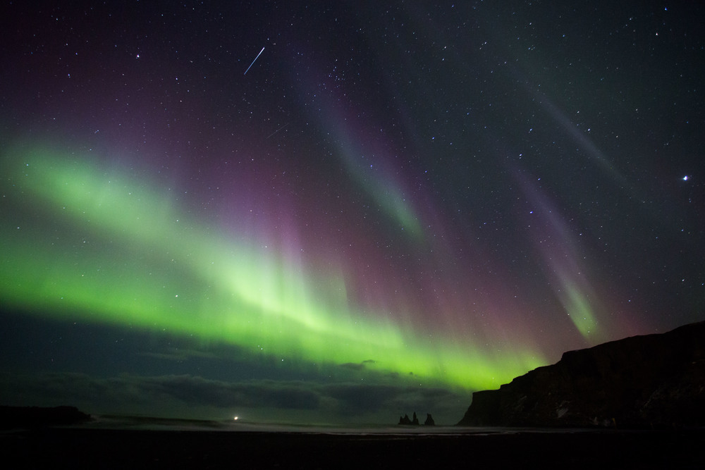 Northern Lights for IG-FB With Pinacles-2102.jpg