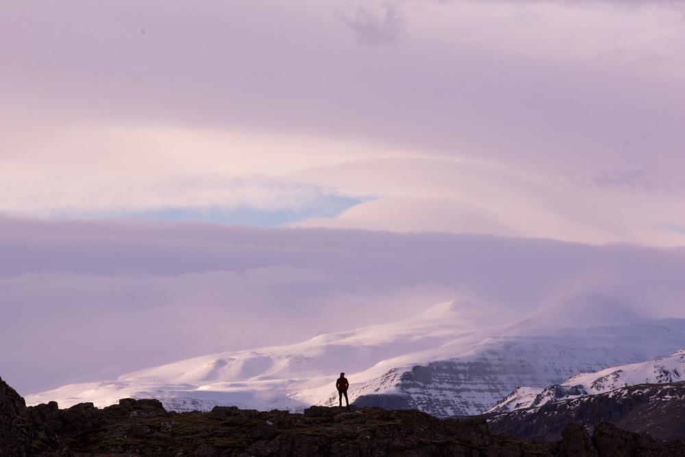 Ryan Hiking On Ridgeline for IG-FB-4381.jpg
