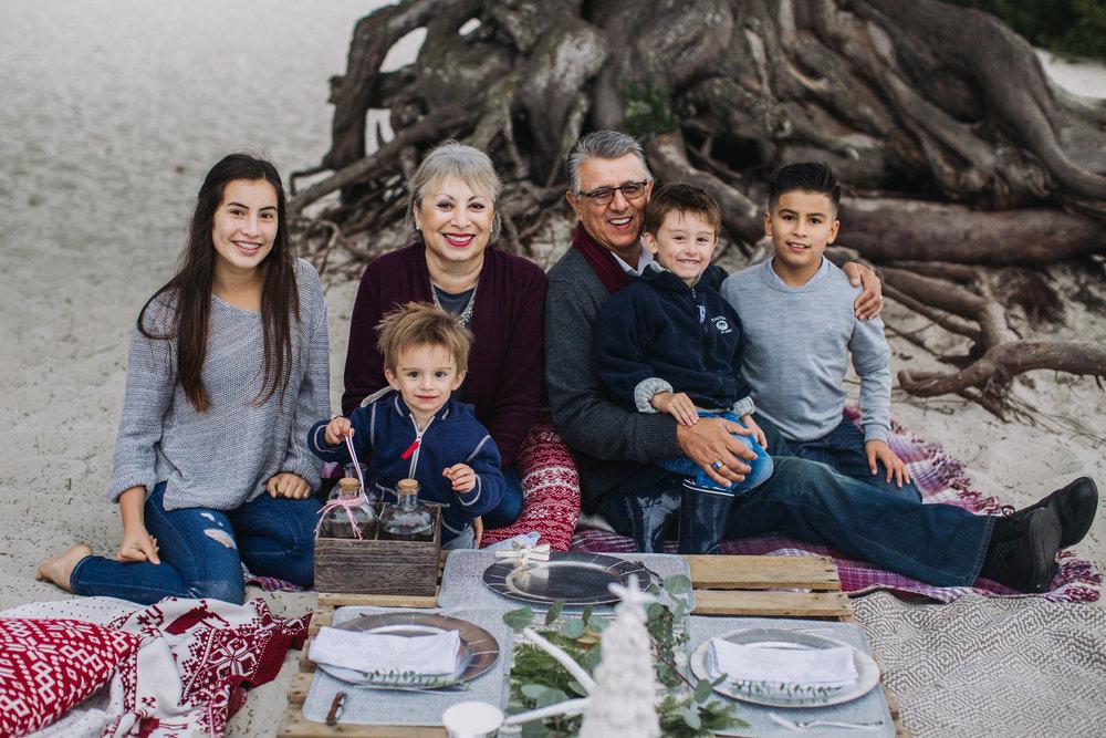 Melendrez-Family-211.jpg