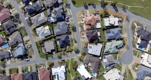 Central Coast and Newcastle named in top 10 fastest selling suburbs in NSW 500x264.jpg