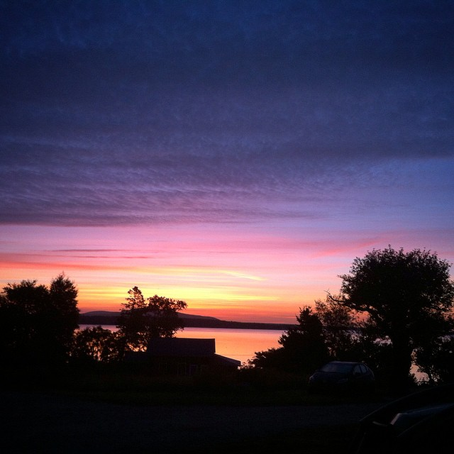 #sunrise #maine #BlueHillBay (at The Lookout Inn Inc.)