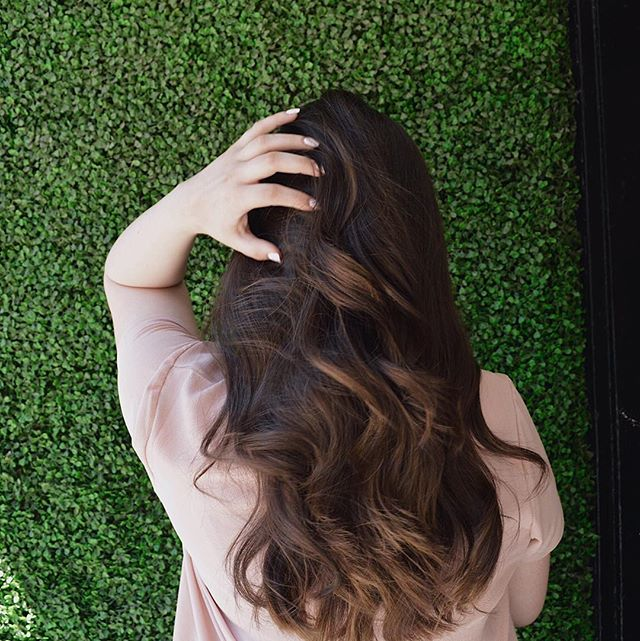 Check out @thatgirlwithpinknails for a summer surprise! #ThatGirlWithTheGoodHair ⠀ ⠀ ⠀ -⠀ -⠀ -⠀ #loveyourself #summer #booktoday #love #toronto #hair #torontosalon #salon #yorkville #yorkvilletoronto #yorkvillesalon #yorkvillevillage #yorkvillehair #sun #beach #summerbreak #summerhair #kevinmurphy ⠀ #vogue #seconddayhair  #glamour #style #highfashion #fashion #hairandfashionaddict #torontohairstylist #torontohair #beautiful #edgeandgraincontent