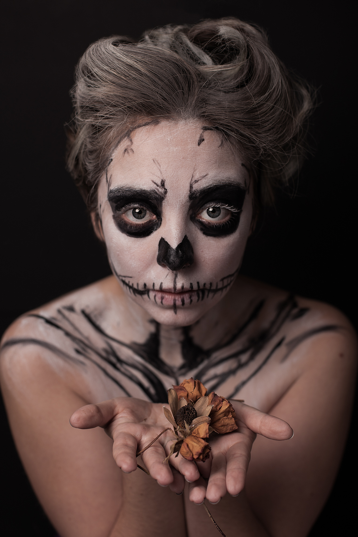 Nicole in Skull Face