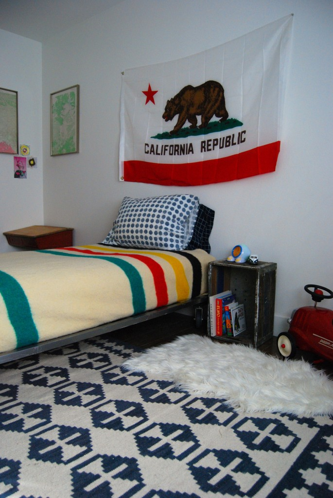 lev's room 052