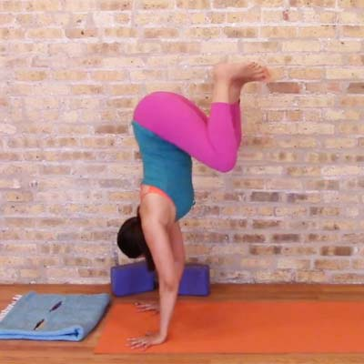 Fun Flow With Handstand Options   40 min