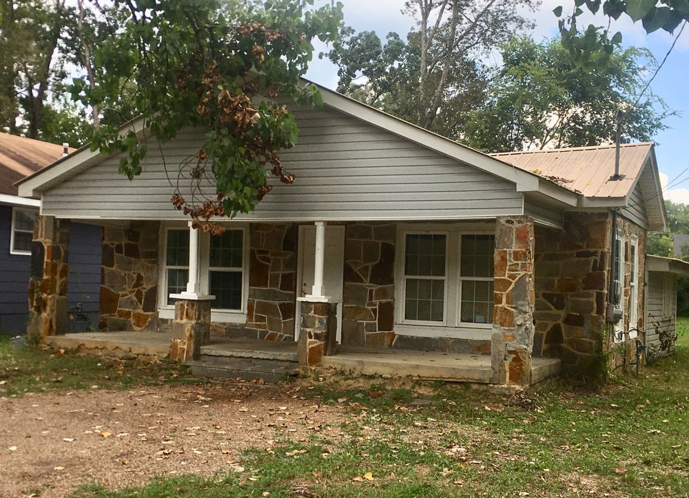 PROPERTY # 110: SFR Home located at 1104 Oakland Ave (I13L-182) - This home features 3 Bedrooms, 1 bath, Central Heat & Air and Large Lot—Rome School DistrictZoned LTRCurrently Rented for: $650Property Taxes: $431