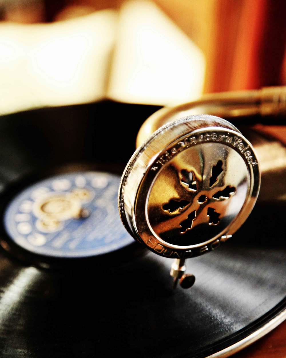 gramophone(small).jpg