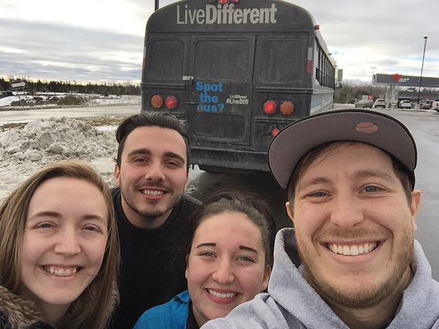 True friends makes the world a much smaller and better place #livedifferent @livediff @jeena.olsen @austingauthierr #random #spotthebus #smallworld #thescenicsound