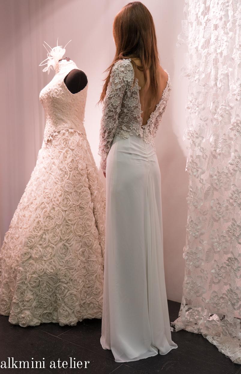 Alkmini, Νυφικό φόρεμα