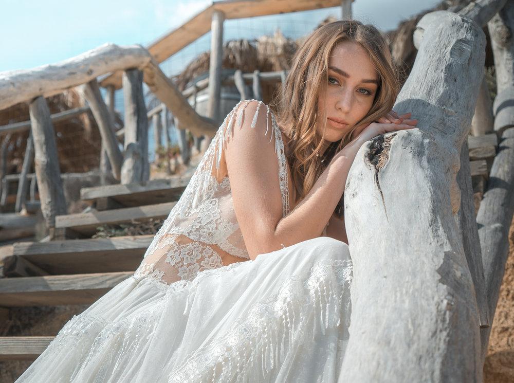 Boho νυφικό φόρεμα, νέα νυφική κολεξιόν ALKMINI.