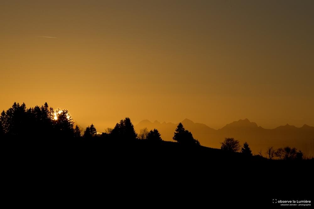 Lever du soleil sur les Alpes