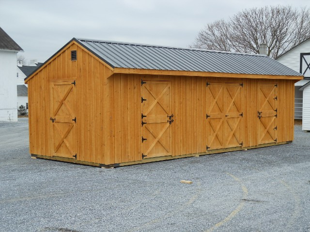 Enclosed (Shed Row) Horse Barn