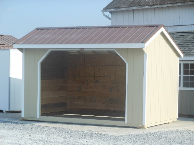 Run-In Horse Barn
