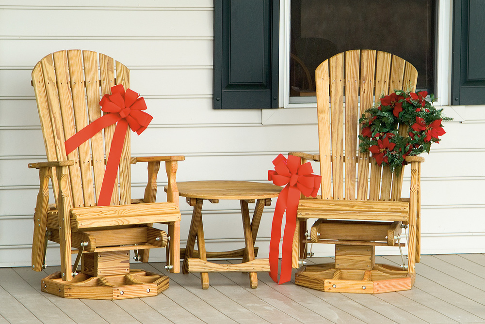 (18) set-christmas-chairs.jpg