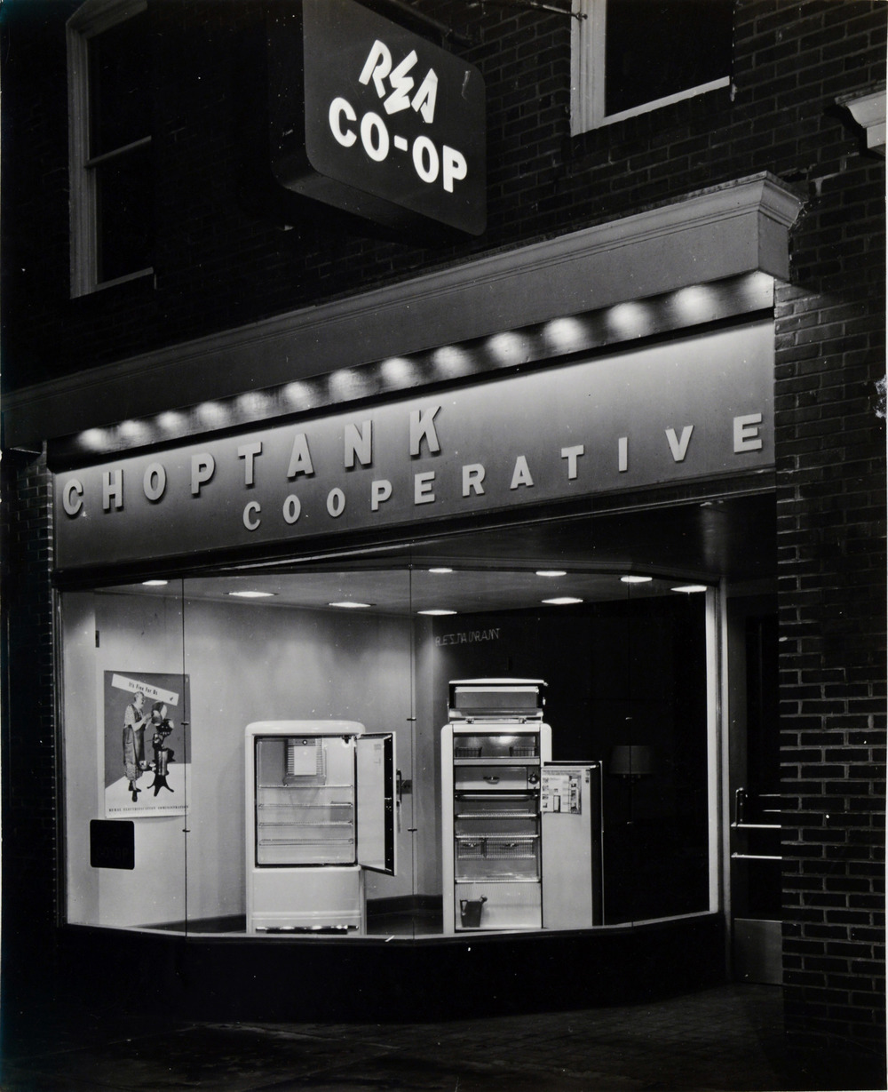 Choptank Cooperative, c. 1940.  Designers Roland Wank and Mario Bianculli, Denton, Maryland, 1939. Source: National Archives, College Park, Photographs of USDA, Record Group 16-G.